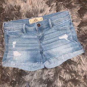 ◼️2/$10◼️HOLLISTER Midi Light Wash Ripped Shorts 3